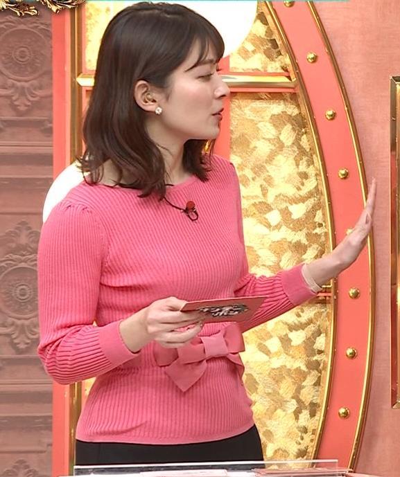 山本里菜アナ ニット横乳キャプ・エロ画像2
