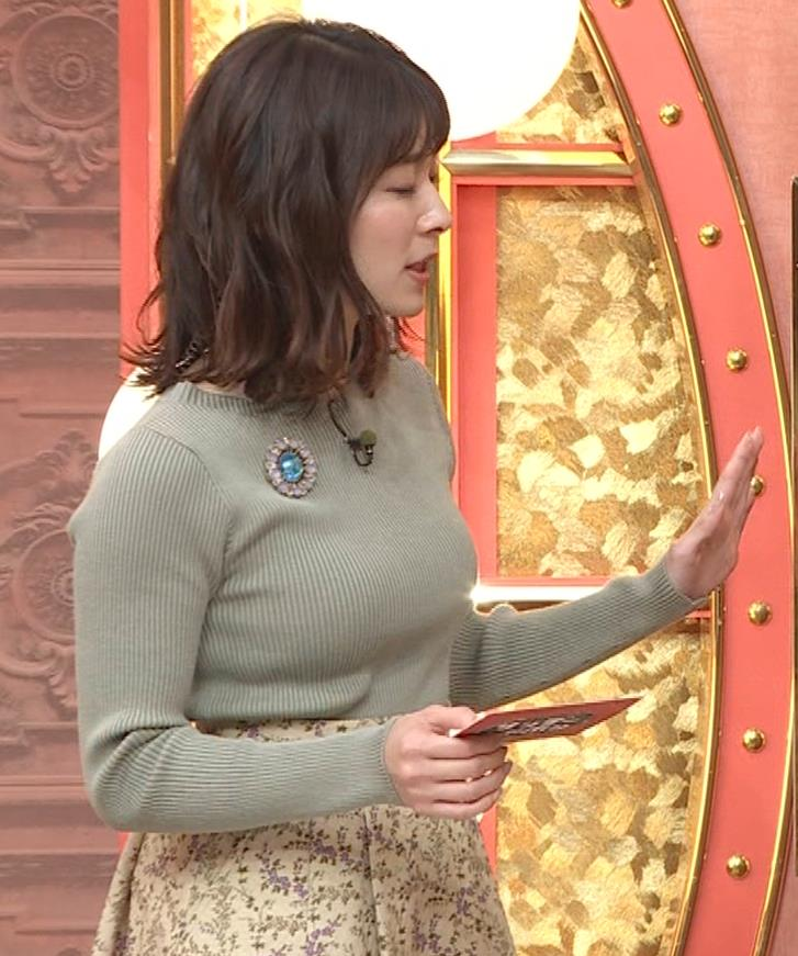 山本里菜アナ ニットで巨乳がクッキリキャプ・エロ画像2