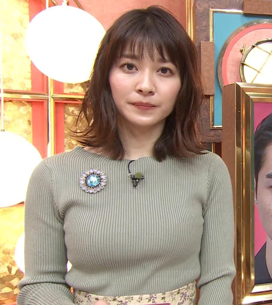 山本里菜アナ ニットで巨乳がクッキリキャプ・エロ画像11