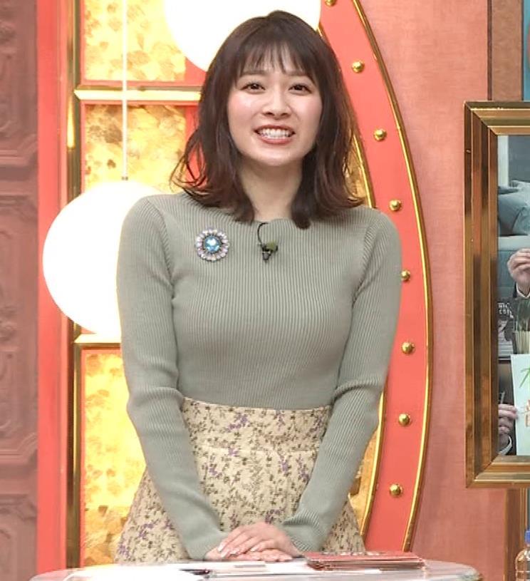 山本里菜アナ ニットで巨乳がクッキリキャプ・エロ画像12