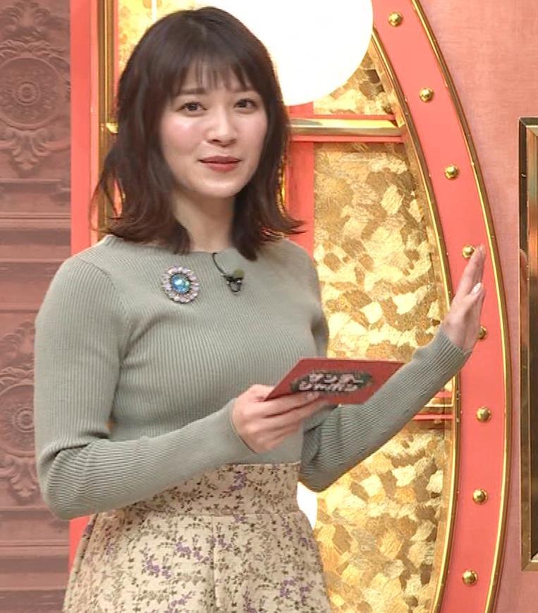 山本里菜アナ ニットで巨乳がクッキリキャプ・エロ画像6