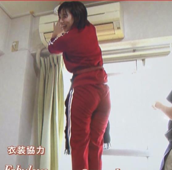 山本雪乃アナ ジャージのお尻が食い込んでいるキャプ・エロ画像