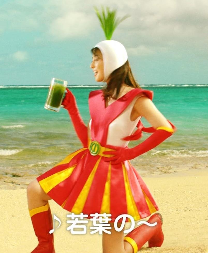 柳ゆり菜 変なコスプレCMキャプ・エロ画像