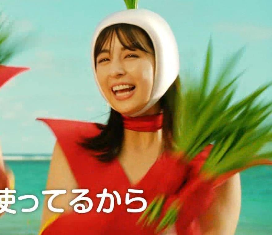 柳ゆり菜 変なコスプレCMキャプ・エロ画像5