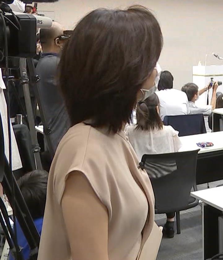 膳場貴子 横乳&セクシーな表情キャプ・エロ画像