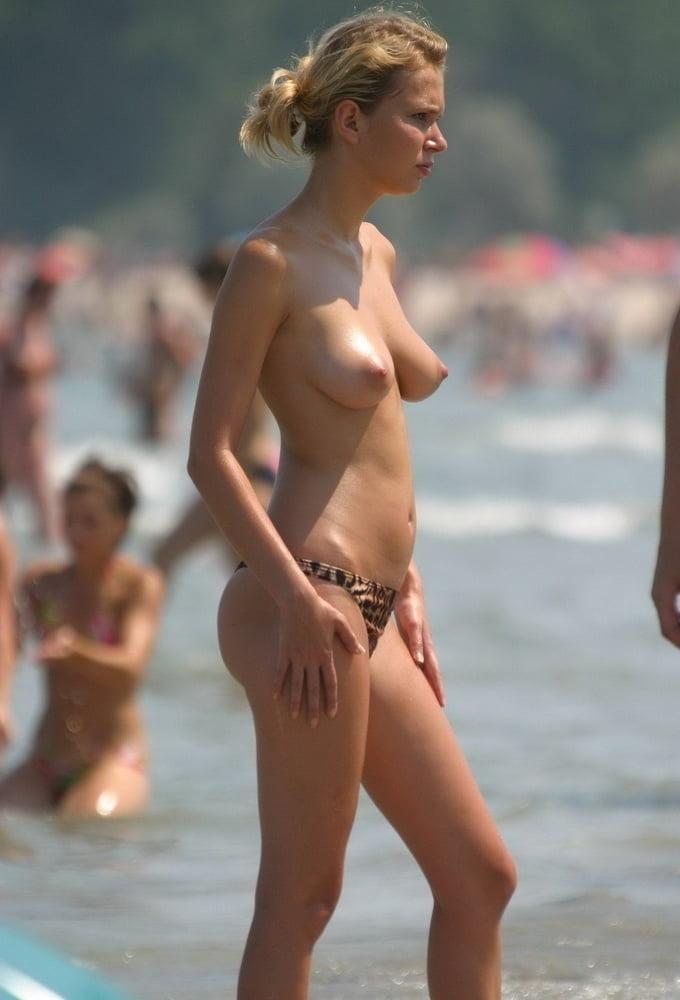 西洋美女のナイスなおっぱい画像 16