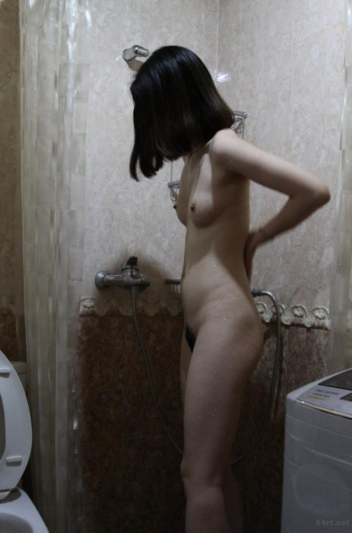 清楚系素人女性をモデルにヌード撮影した画像 20