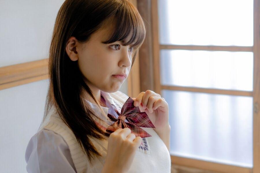 巨乳美少女JKのヌード画像 2