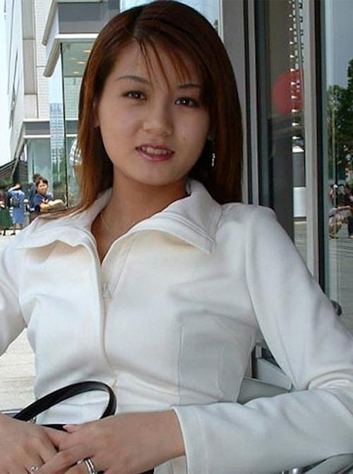 ホテルで撮影した素人美女のパイパンマ○コ画像 1
