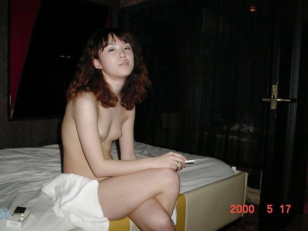 微乳な素人美女のラブホヌード流出画像 15