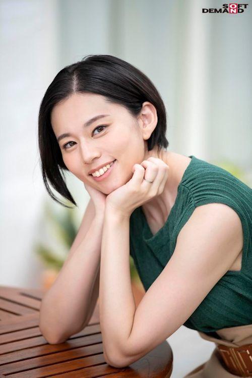南アルプスの湧き水よりも澄み切った120%天然素材の美人妻 平井栞奈 34歳 AV DEBUT 2