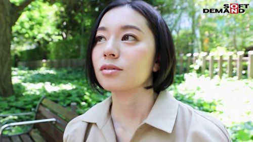 南アルプスの湧き水よりも澄み切った120%天然素材の美人妻 平井栞奈 34歳 AV DEBUT 3