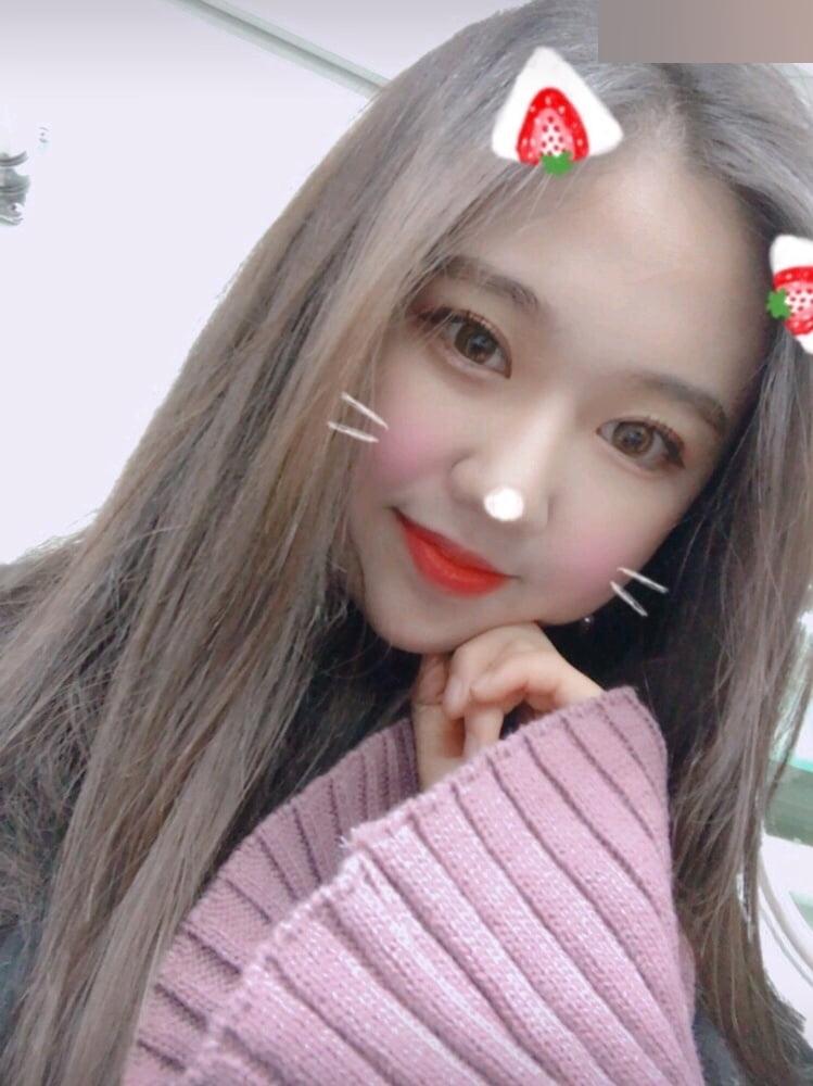 K-POPアイドルのような韓国S級美少女の自分撮りヌード流出画像 3