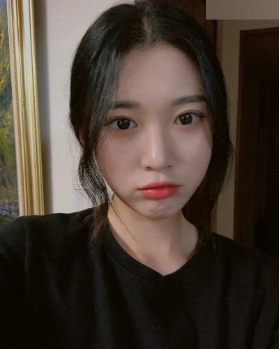 K-POPアイドルのような韓国S級美少女の自分撮りヌード流出画像 5
