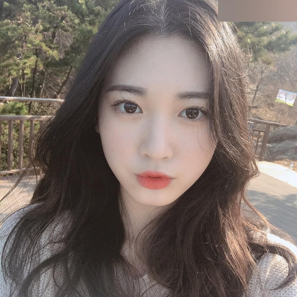 K-POPアイドルのような韓国S級美少女の自分撮りヌード流出画像 7