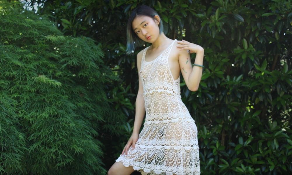 アジア系ティーン美少女のヌード画像 2