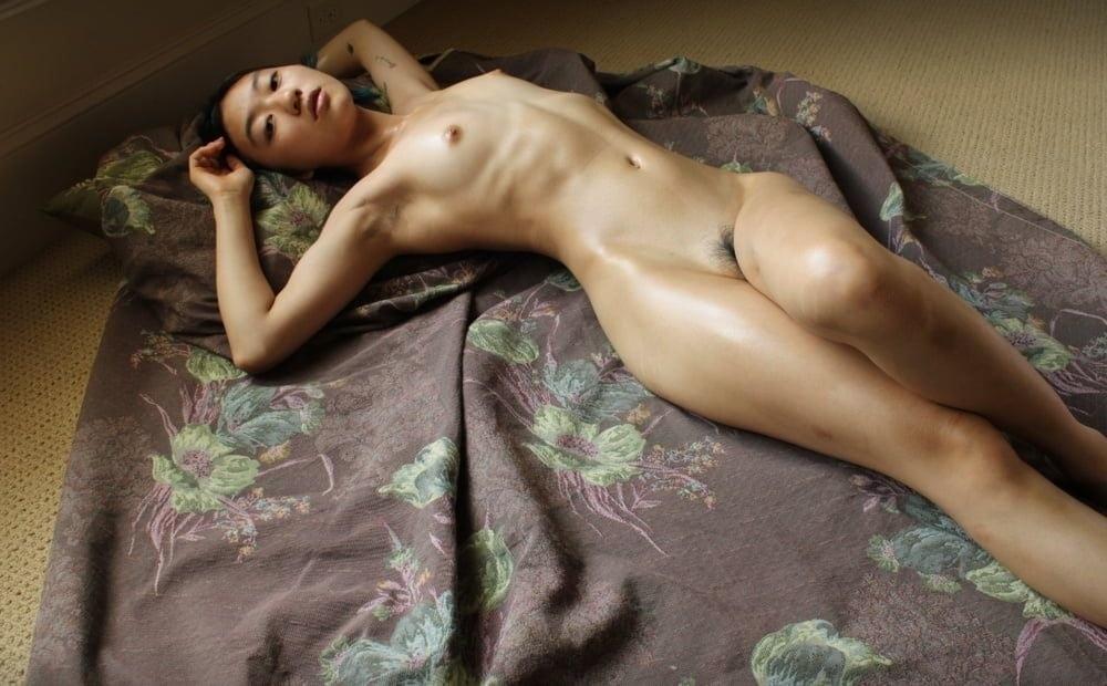 アジア系ティーン美少女のヌード画像 19