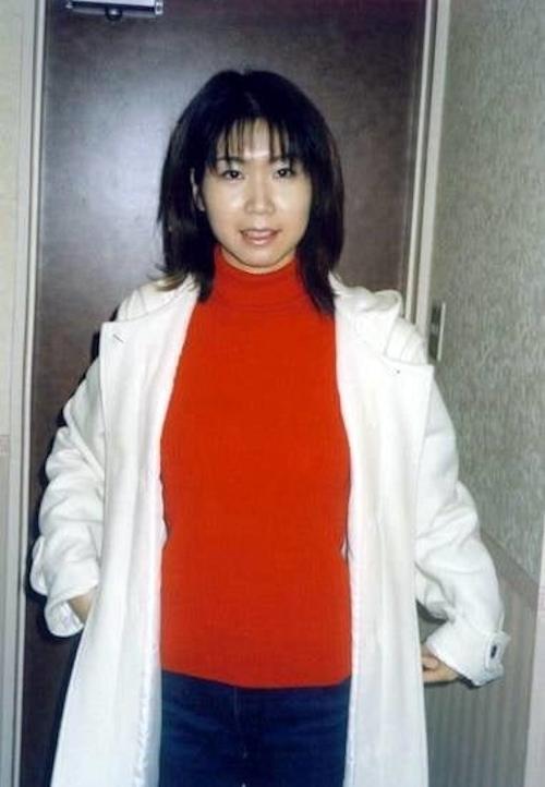 美乳で陰毛の濃い素人美女をラブホで撮影したプライベートヌード画像 1