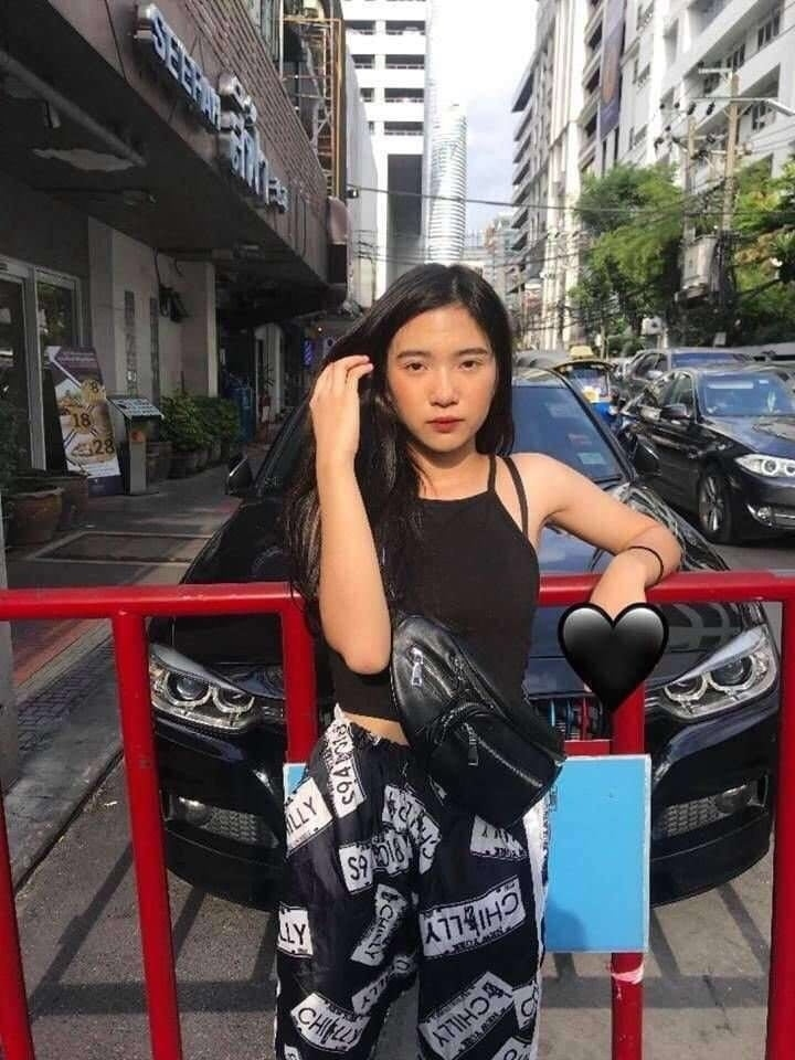 タイのティーン美少女の自分撮りヌード画像 1