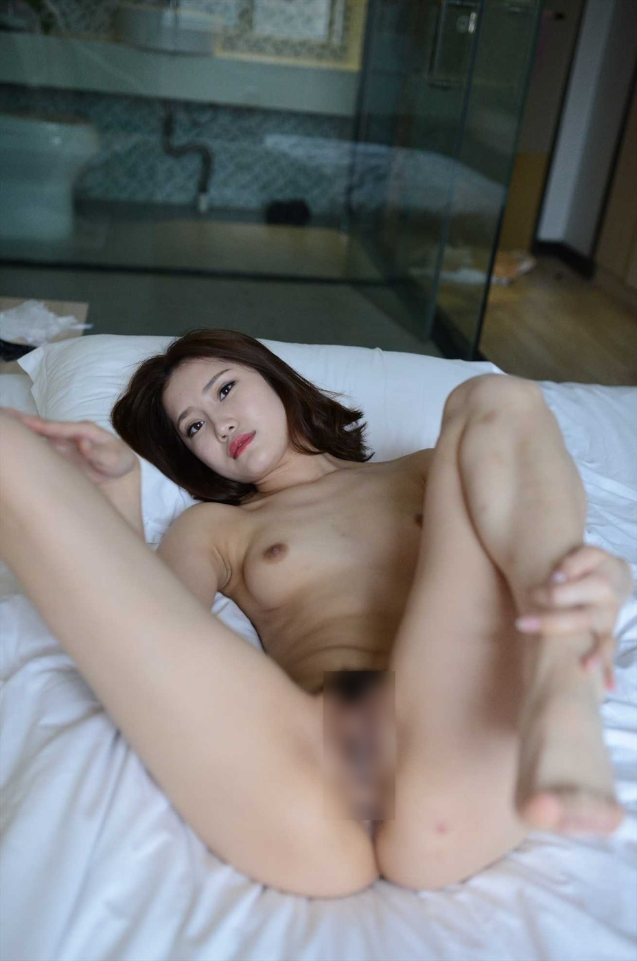 中国美女モデルの個人撮影ヌード画像 9