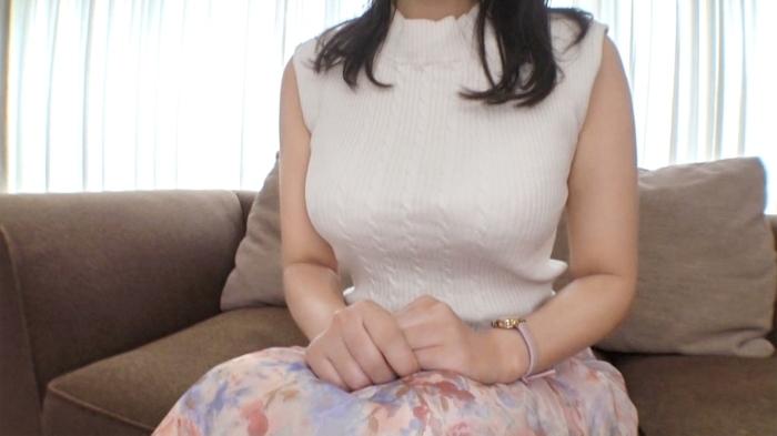 【初撮り】【釣り鐘型の暴れ乳】【変態女教師】現役小学校教諭の裏の顔。「旦那のために」と語っていた彼女だったが自らも望んでいたように美乳を暴れさせ… 応募素人、初AV撮影 168 1