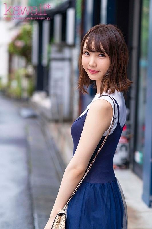 162cm8頭身モデル体型!スナップ感がエモいハンドテク!漫画みたいな大きな瞳!エステ店でこっそり抜いてアゲル押しに弱い現役女子大生'武田雛乃'AV debut!! 1