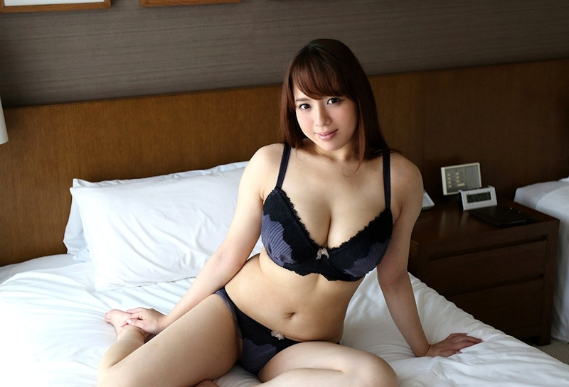 Iカップ爆乳の上品な美人妻のセックス 3