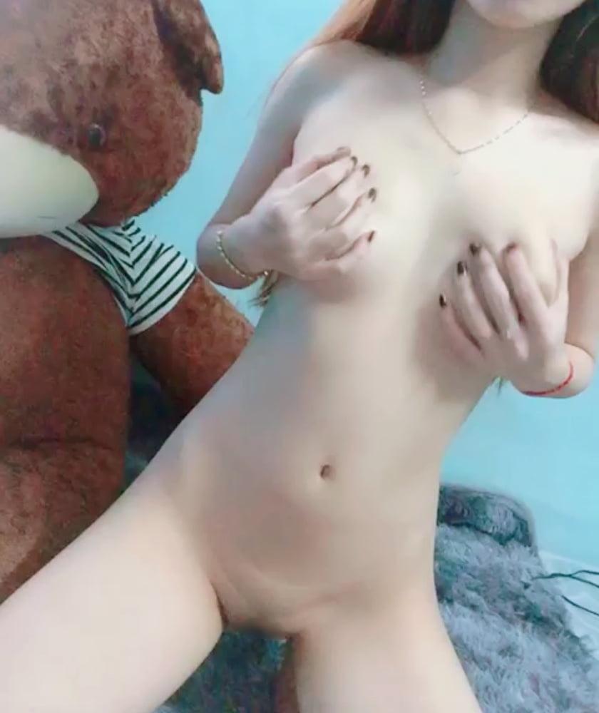 アジアンティーン少女のヌード画像 9
