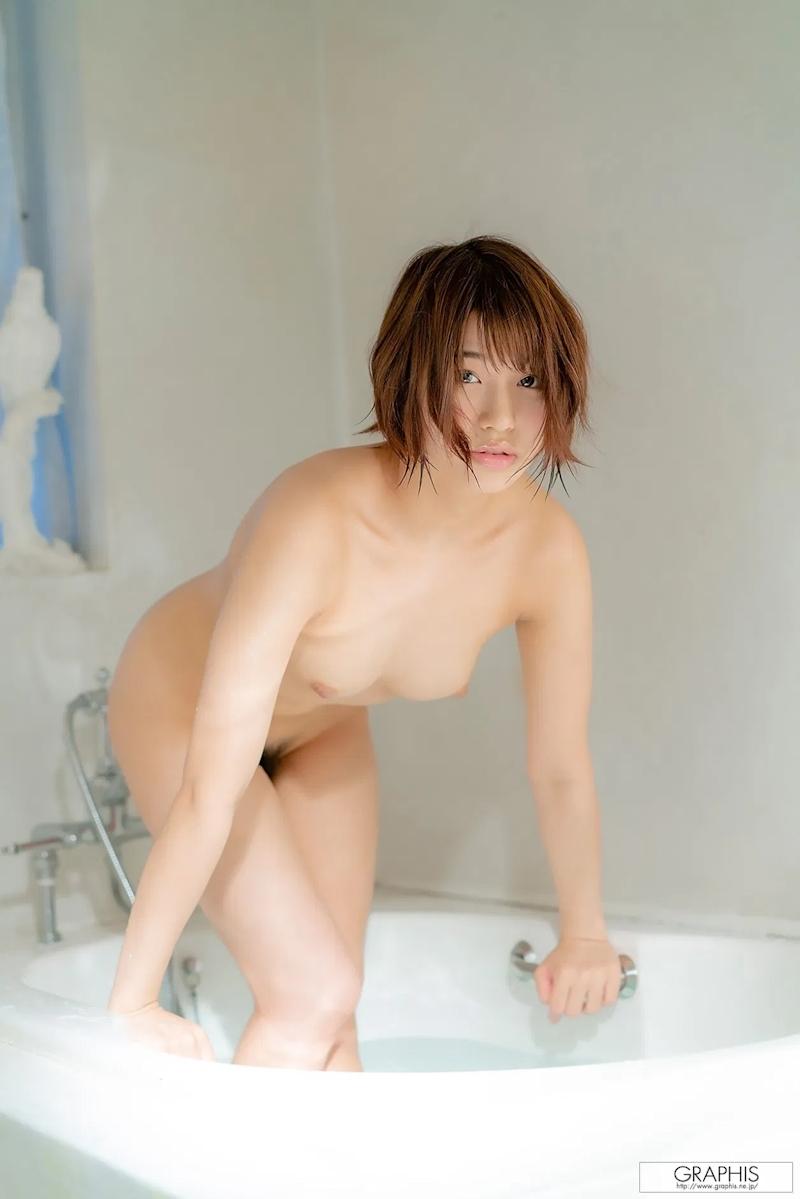 2000年生まれのショートカット美少女 唯井まひろ ヌード画像 14