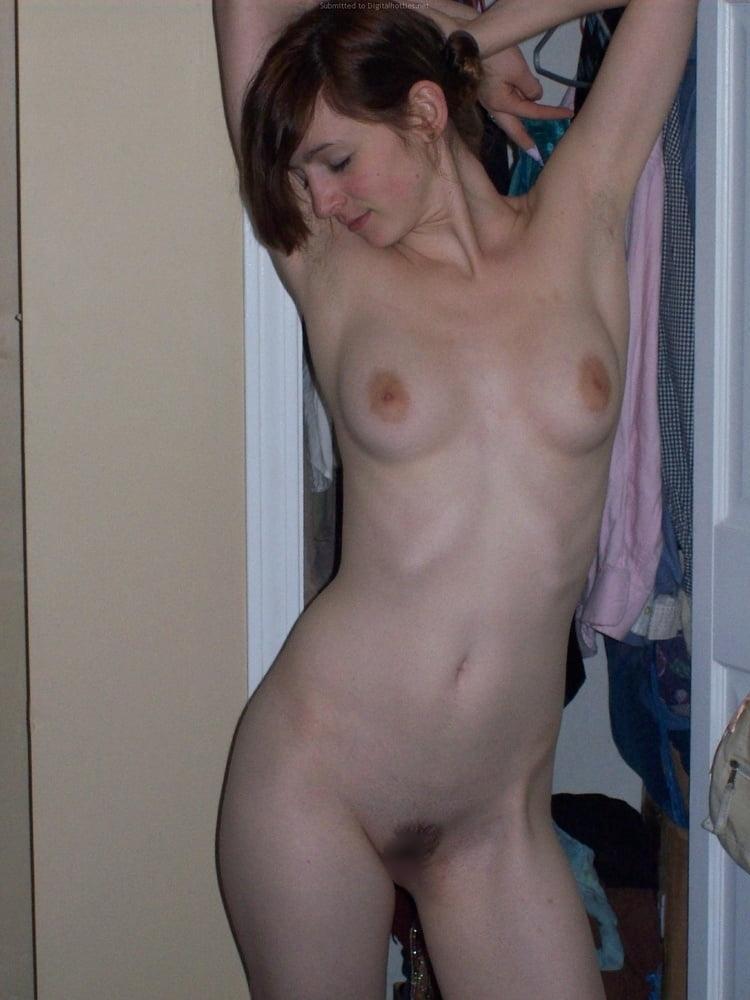 巨乳なガールフレンドのプライベートヌード画像 14