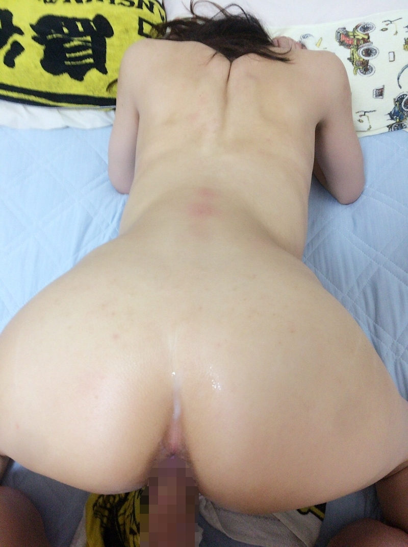スレンダー微乳な素人美女のプライベートセックス画像 17