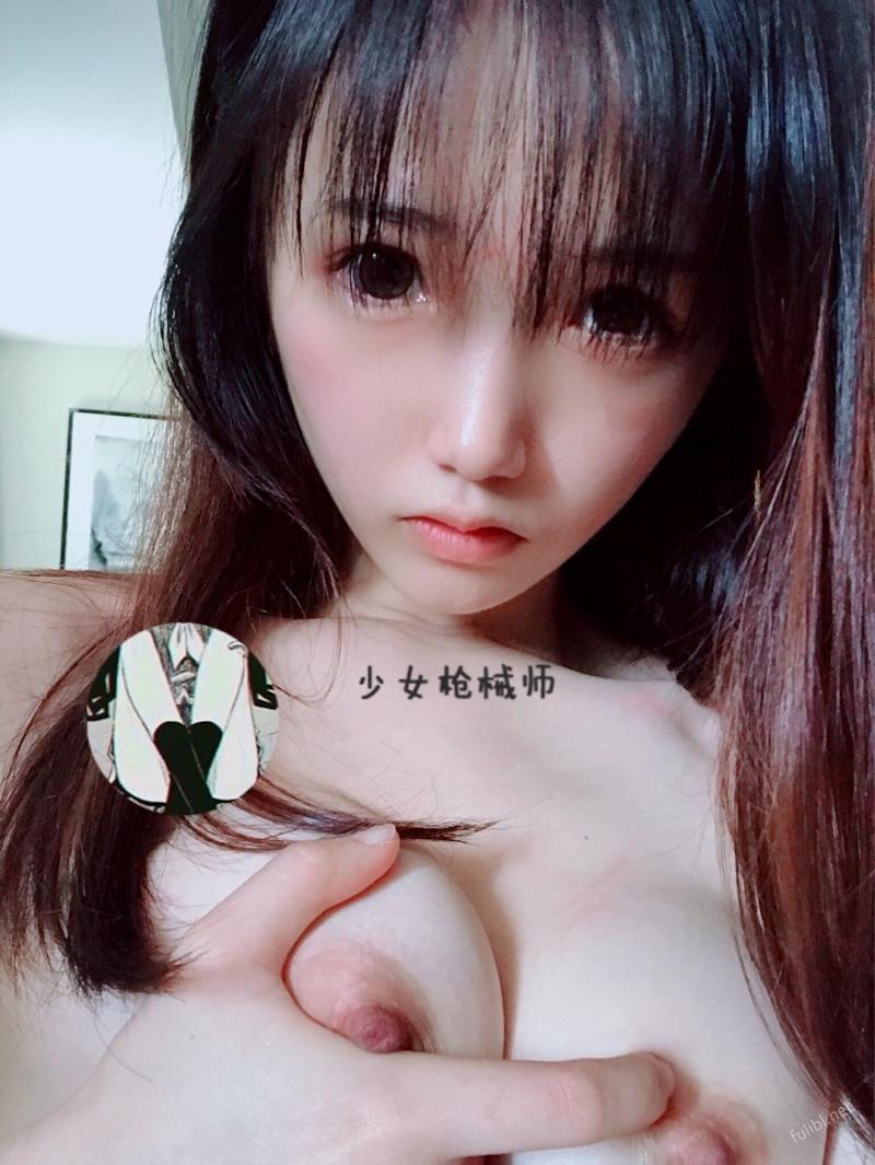 童顔にモデル級ボディのロリ系美少女の自分撮りヌード画像 4
