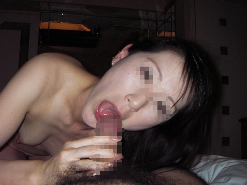 スレンダー微乳な美熟女のプライベートヌード画像 9
