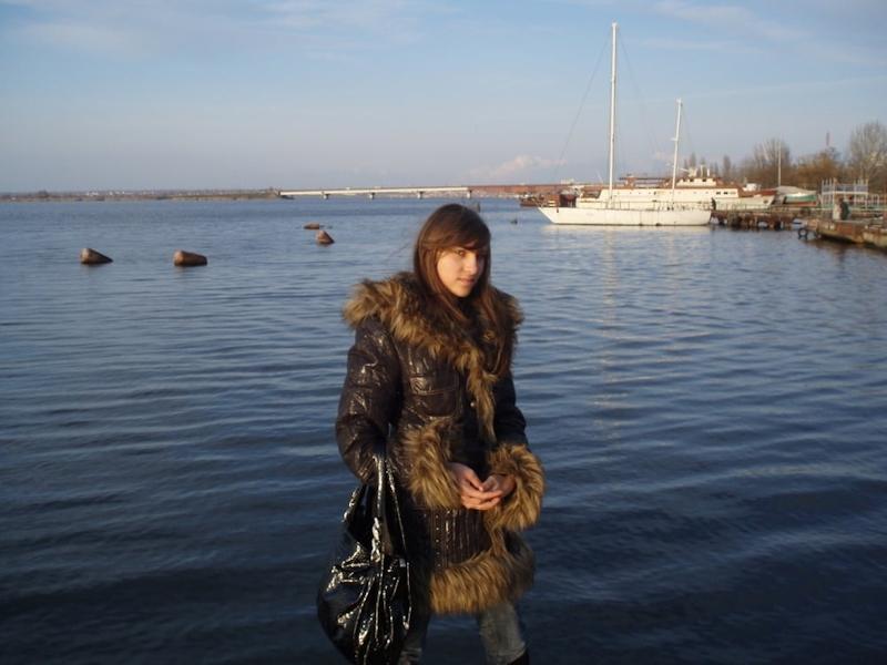 美乳なロシアのガールフレンドを撮影したプライベートヌード画像 1