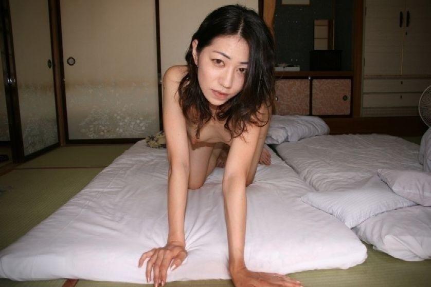 旅館で撮影した極上美女のヌード画像 4