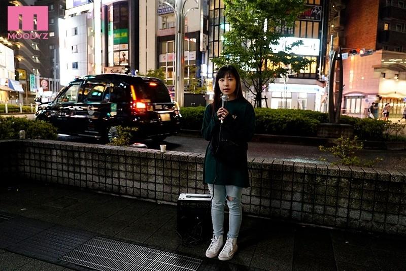 身長145cm敏感シンガー 引きこもりで人見知りだけど、夢は歌手!SNSでちょっぴり話題の女性シンガー顔出し志願イキまくりAVデビュー 桜木なえ 1