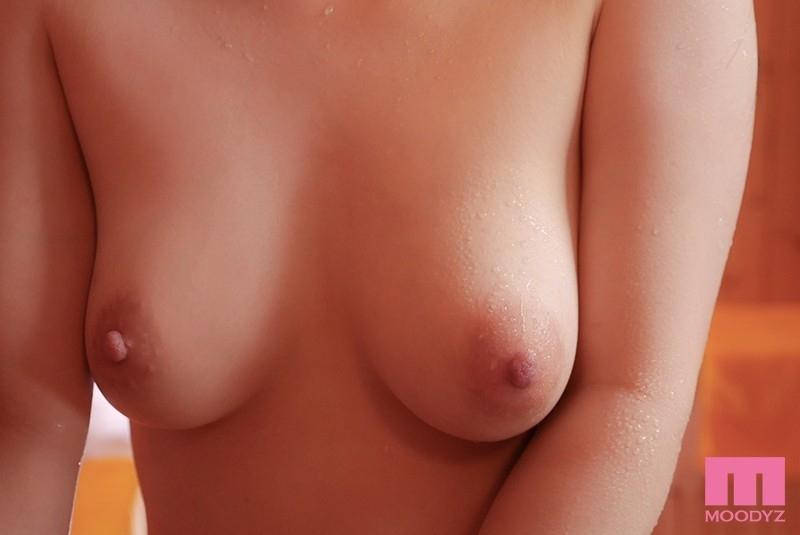 週5通いで超美肌!ととのいまくる汗かきサウナー女子大生AVデビュー 高瀬りな 4