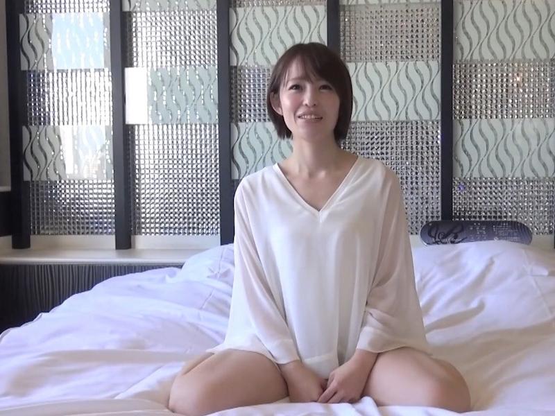 貧乳パイパン美女に中出ししたセックス画像 2