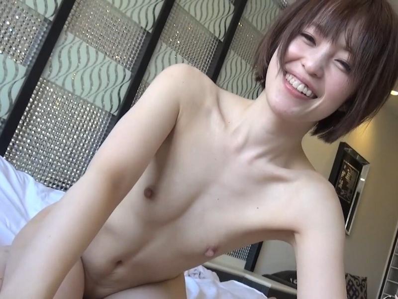 貧乳パイパン美女に中出ししたセックス画像 26