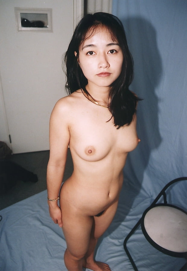 黒髪のきれいなお姉さんを個人撮影したヌード画像 10