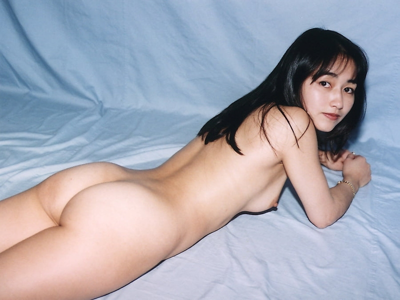 黒髪のきれいなお姉さんを個人撮影したヌード画像 15