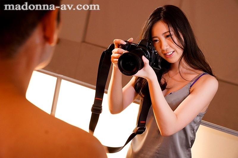 モデルが嫉妬するほど美しい元ファッション雑誌カメラマン 真谷しほ 30歳 AV Debut!! 1