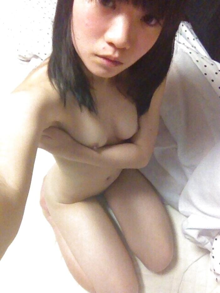 美微乳パイパン美少女の流出ヌード画像 1