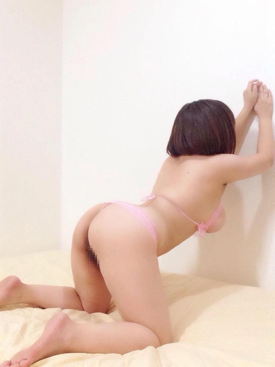 巨乳輪のHカップ美女のセクシーランジェリー画像 6