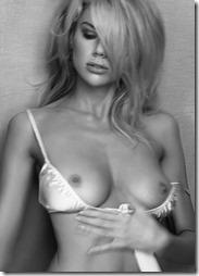 Charlotte-Mckinney-Nude-020907 (5)