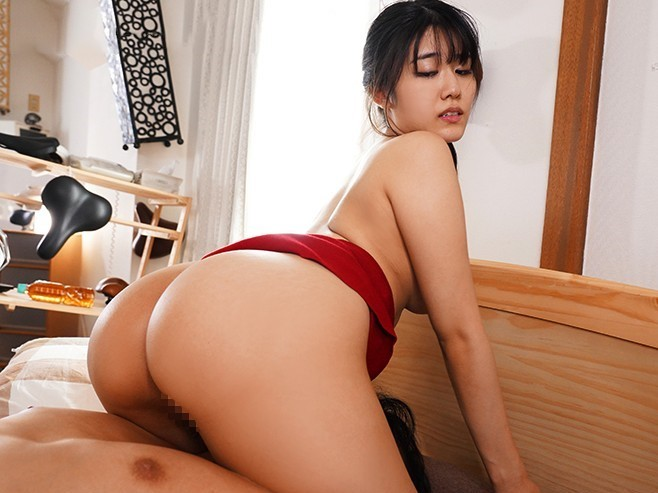 尻フェチ男のために顔面騎乗でマンコ・アナルを擦り付けフェラチオするデカ尻美人妻 神宮寺ナオ
