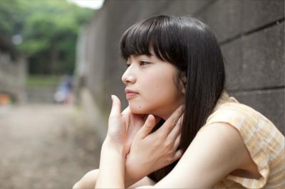 小松菜奈の張り付いて透けちゃったパンティー - 女優