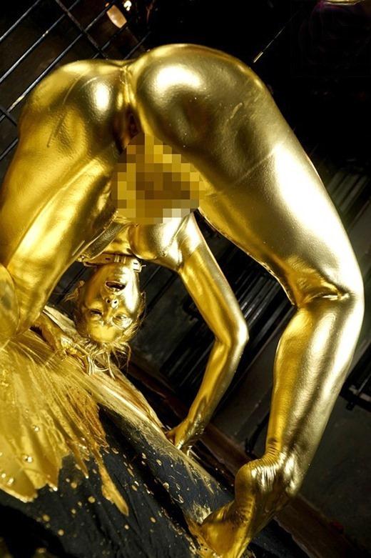 金粉ヌード画像 10