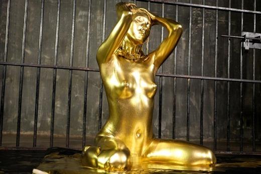 金粉ヌード画像 24