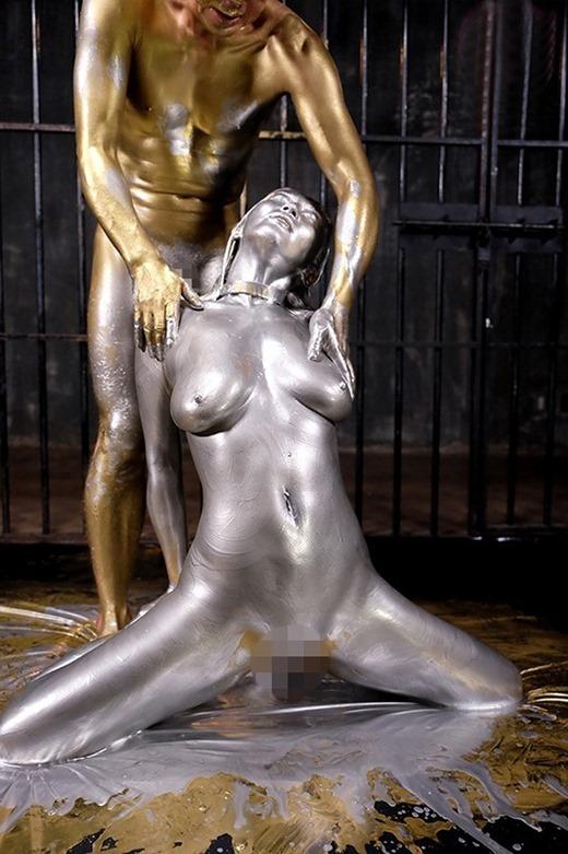 金粉ヌード画像 46